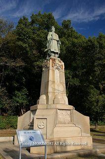 島津斉彬公(しまずなりあきらこう)の銅像